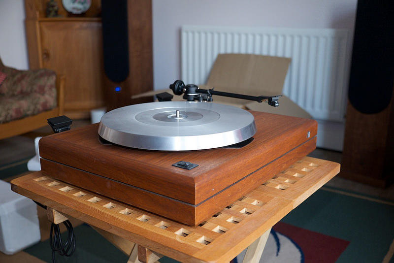 Acoustic Research The AR One Turntable - Protractor and Stylus